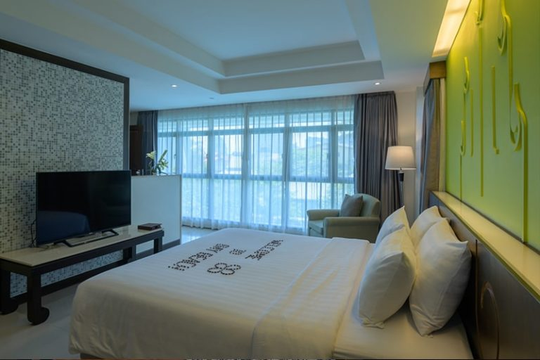 Bay Beach Resort Jomtien : Suite One Bedroom Pool View